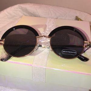 Gorgeous Glamorous Glasses